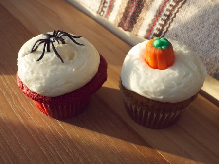 Halloween themed cupcakes.