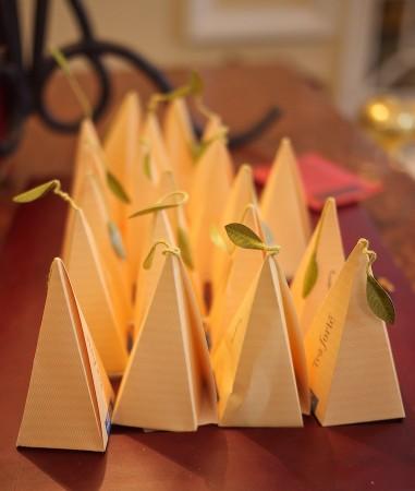 Deluxe individual packaged herbal teabags.
